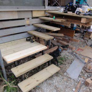 階段を作る。キャンティの踏板とデッキ。