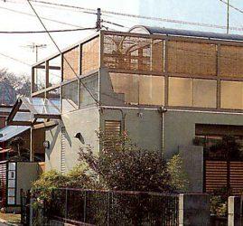 ボールト屋根の家