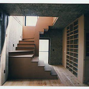 階段は、MDFだけで作った。